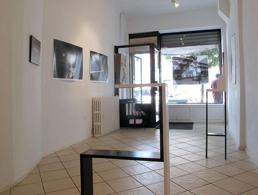 (image: http://meyer-ebrecht.net/Content/../Archive/ExhibitionFolder/ExhibitionsDunkleWolke/bme11-storefront_4_web.jpg)