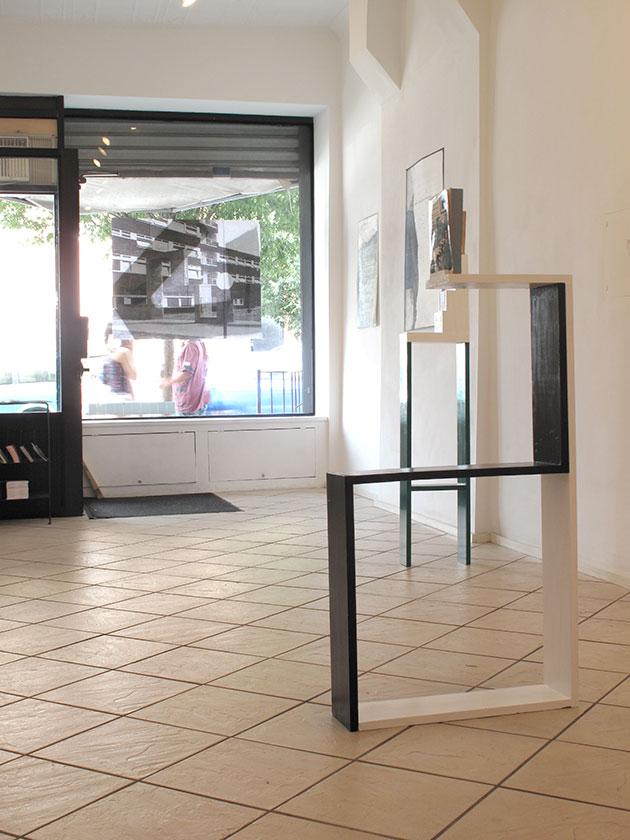 (image: http://meyer-ebrecht.net/Content/../Archive/ExhibitionFolder/ExhibitionsDunkleWolke/bme11-storefront_5_web.jpg)
